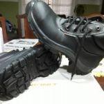 Botin con puntera marca funcional y zapatos de vestir