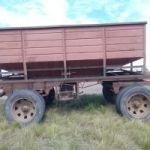Vendo  tolba con ruedas duales para 6 mil kilos