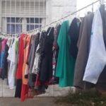 Feria de ropa, precios super económicos  calle 22 casi esquina 21