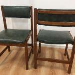 sillas de madera y cuerina $800