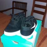 Vendo zapatillas NIKE SD numero 36...2500 pesos  impecables...