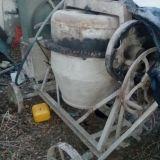Vendo mezcladora d.250 litro, moledora d escombros,3 tablones d construcción p