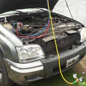 Carga gas refrigerante aire acondicionado vehiculos