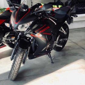 Particular vende HONDA CBR 300R año 2018