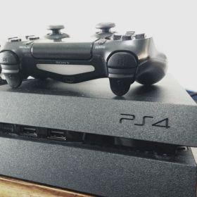 PS4 Consola + 7 Juegos Incluidos!!!