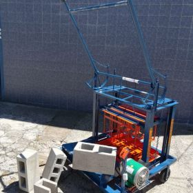 Maquinas Bloqueras, para bloques de arena y cemento.