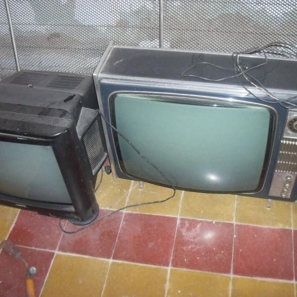 vendo dos televisores