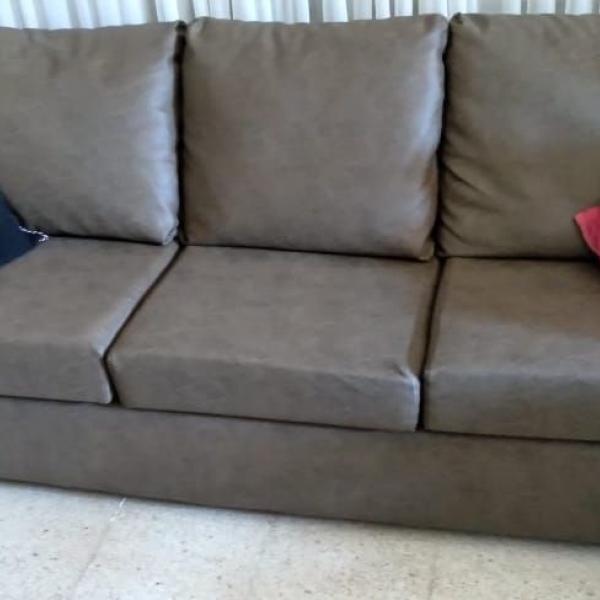Vendo sillón de tres cuerpos, poco uso, muy buen estado.