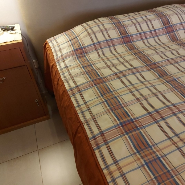 Vendo cubrecamas cama matrimonial