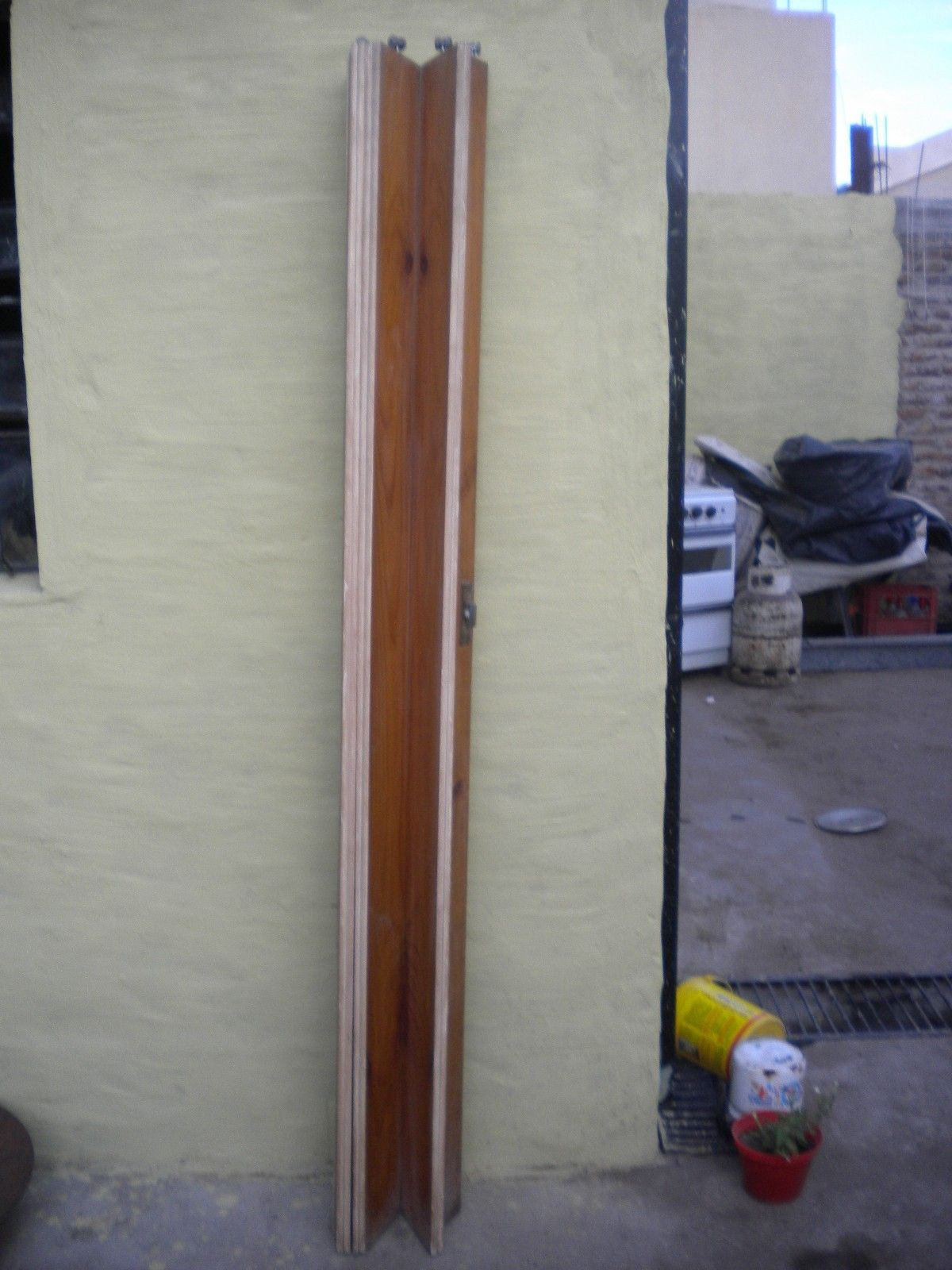 Vendo puerta corredisa de madera para pasuillo u otro for Vendo caseta madera jardin