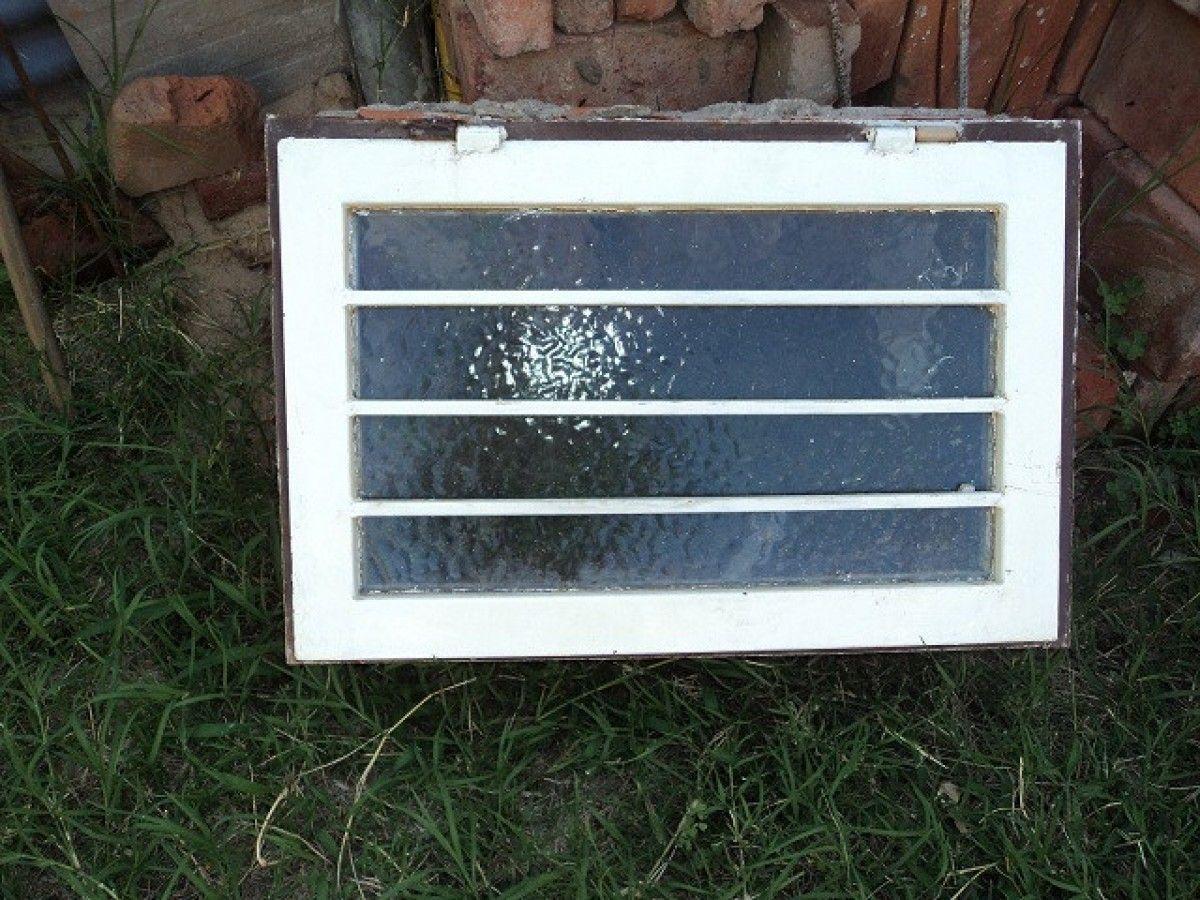 Vendo ventiluz de ba o de chapa reforzada y rejas hogar for Muebles de chapa