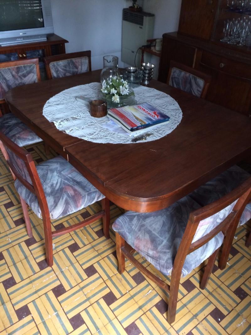 Vendo mesa de comedor con sillas tapizado terciopelo (6) - Hogar,