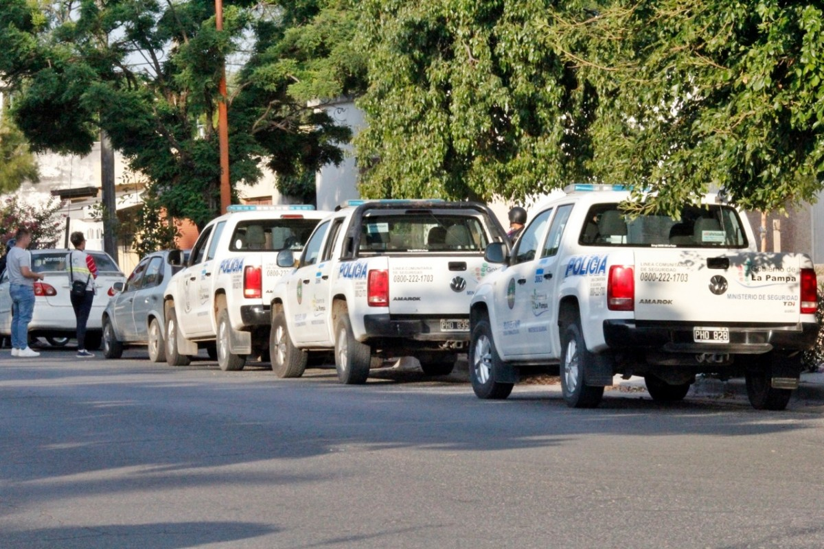 Amplio operativo policial que incluyó a varias dependencias