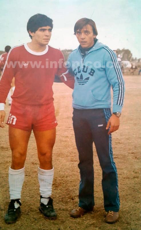 Diego Armando Maradona junto a Leopoldo Aboy [20 Junio 1979]
