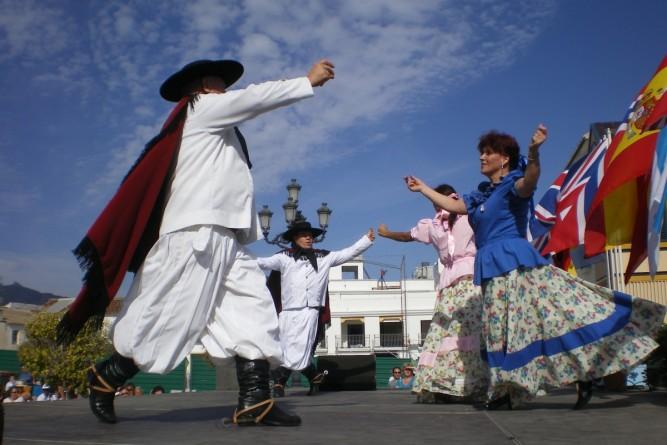 ¡Hoy se celebra el Día Mundial del Folklore y el Día del Folklore argentino! - InfoPico.com