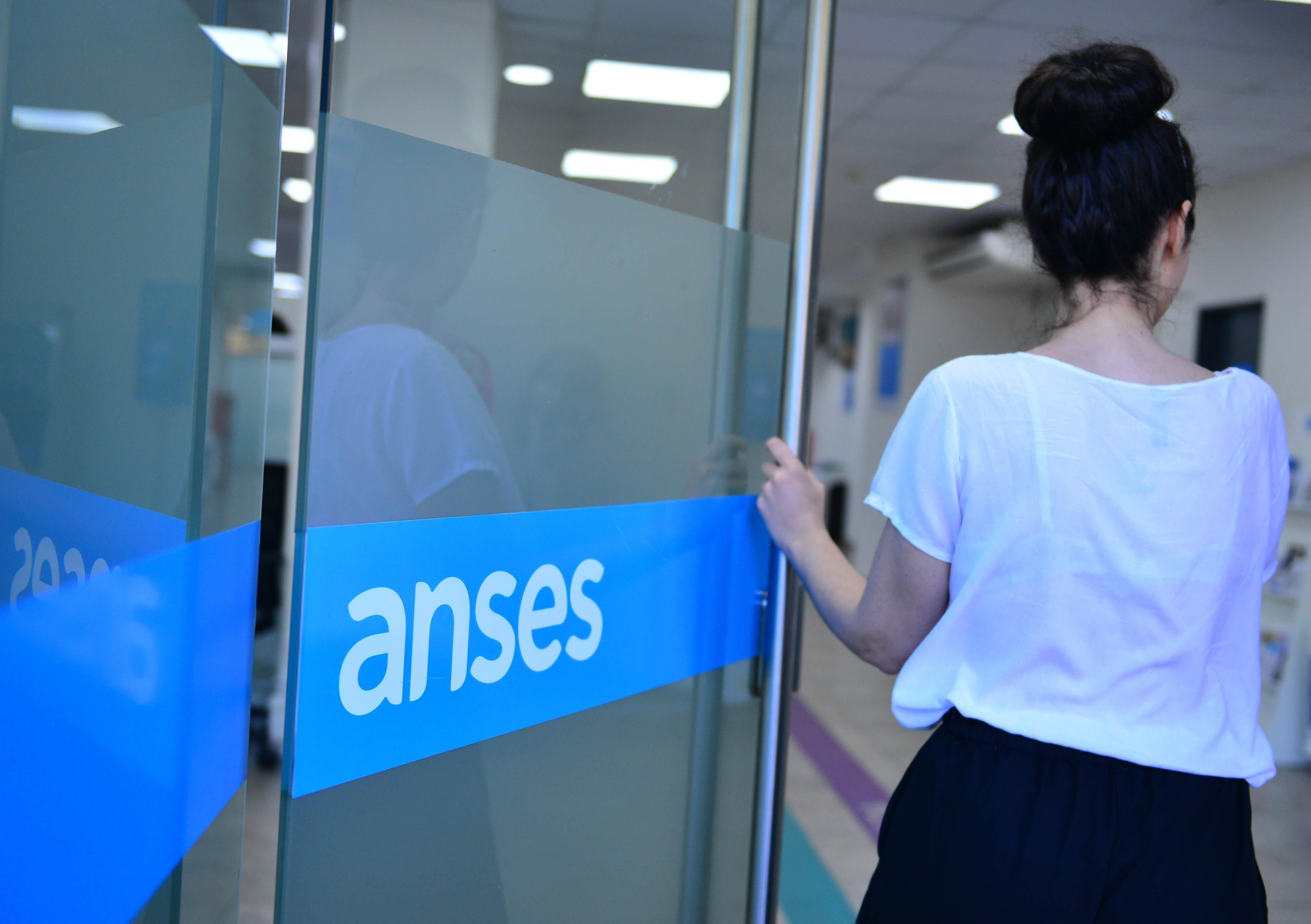 ANSES adelanta el pago de jubilaciones, pensiones y AUH por la cuarentena