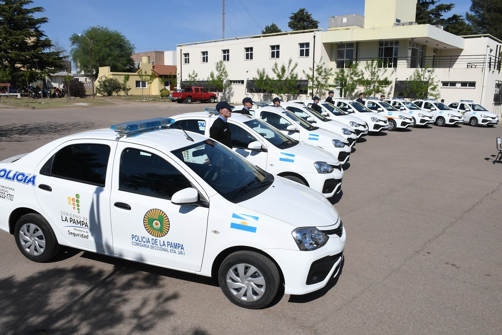 Entregaron patrulleros 0 KM a dependencias policiales de General Pico y Santa Rosa
