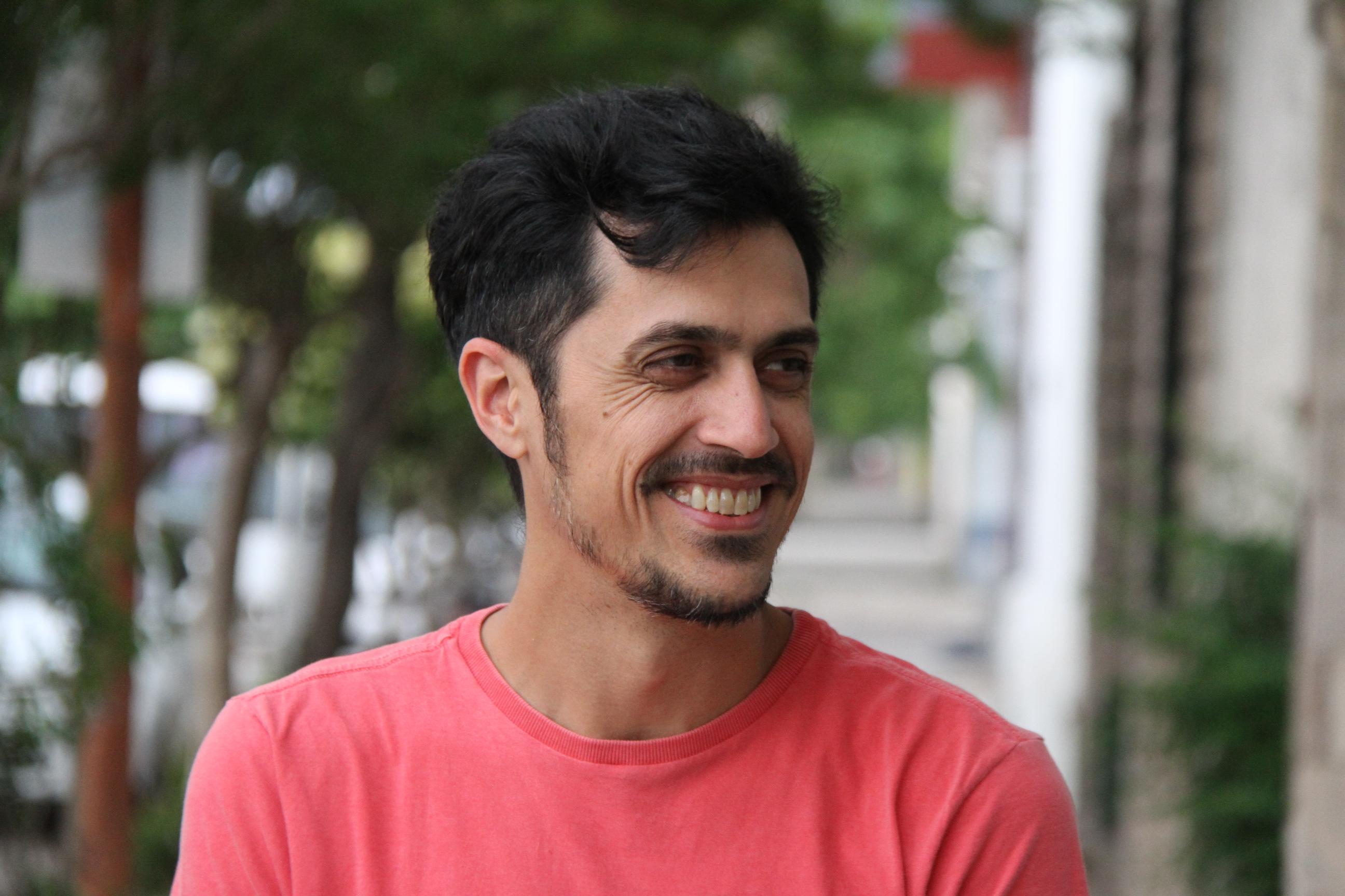 """El músico Nicolás Rainone estuvo de visita en General Pico: """"Es un año muy luminoso para mí y estoy feliz de sacar un nuevo disco"""""""