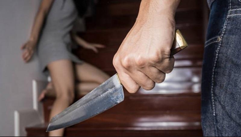 La justicia pampeana condenó a 1 año de prisión a un hombre que golpeó a su novia con un palo, la amenazó con un cuchillo en la mano y le dijo «te voy a apuñalar, yo voy a ir a la comisaría, pero vos vas a ir al hospital»