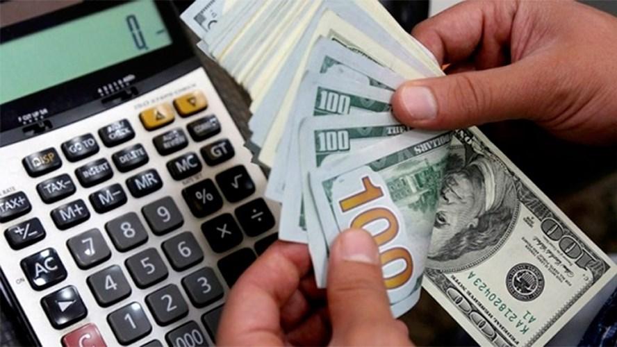 La compra de dólar ahorro y los gastos con tarjeta de crédito en esa moneda tendrá un recargo del 35% como anticipo de Ganancias