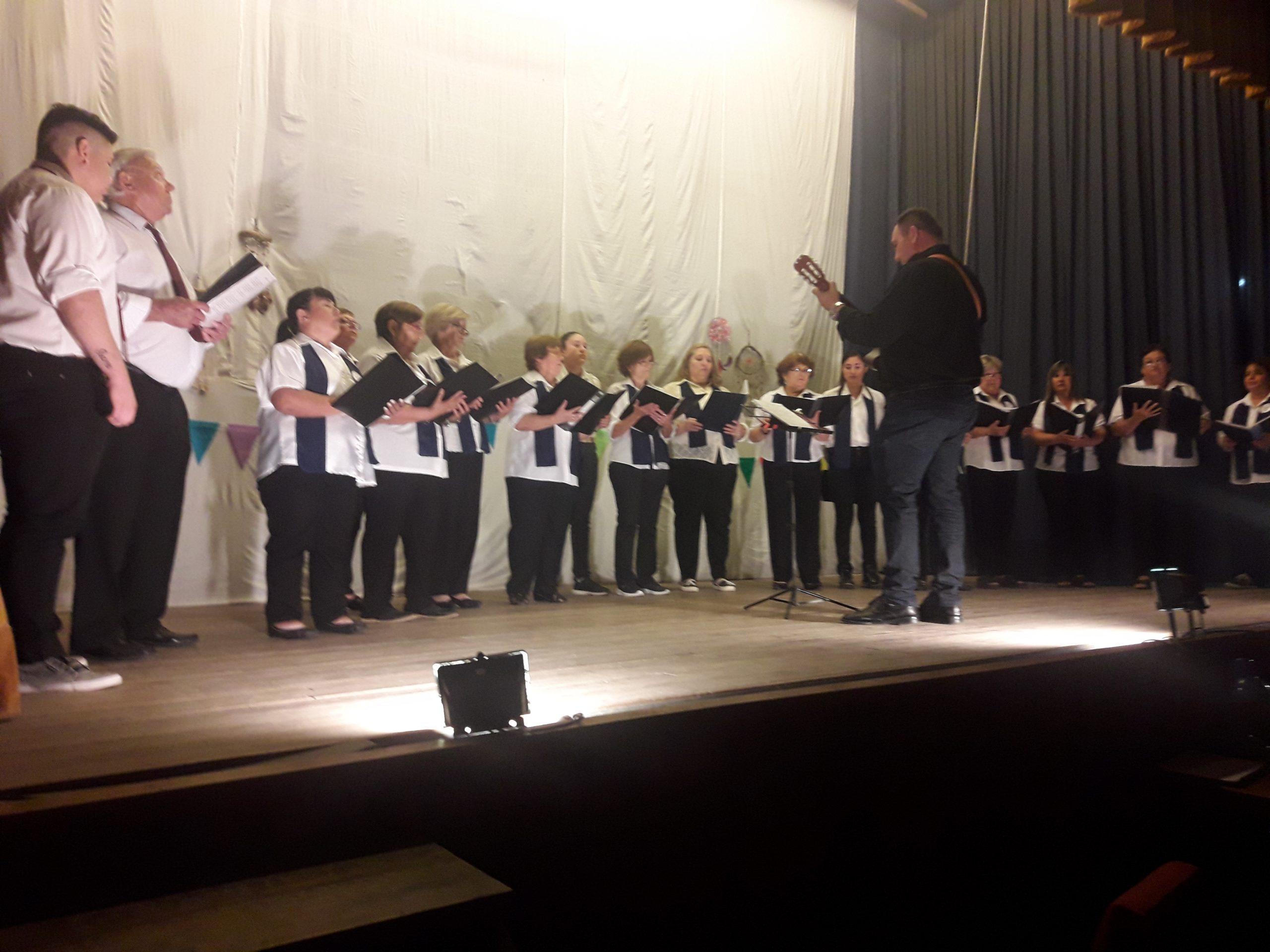 Cierre de talleres anuales de coro y teatro en Hilario Lagos