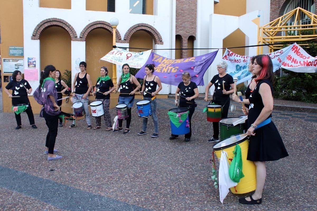 """""""Basta de violencia"""": La Asamblea de Mujeres de General Pico organiza una marcha en la Plaza Seca"""
