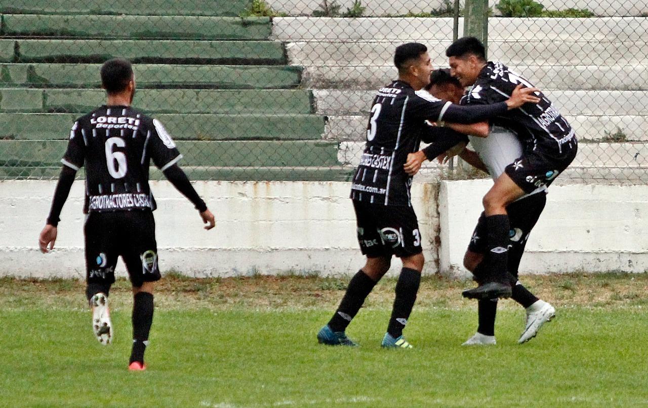 Torneo Provincial: Racing de Castex ganó y enfrentará a Sportivo Independiente en la final