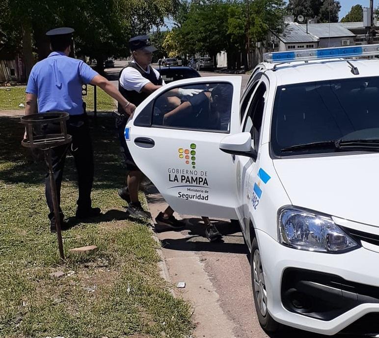 Allanamientos por el robo de una moto en barrio Ranqueles: Dos personas quedaron detenidas