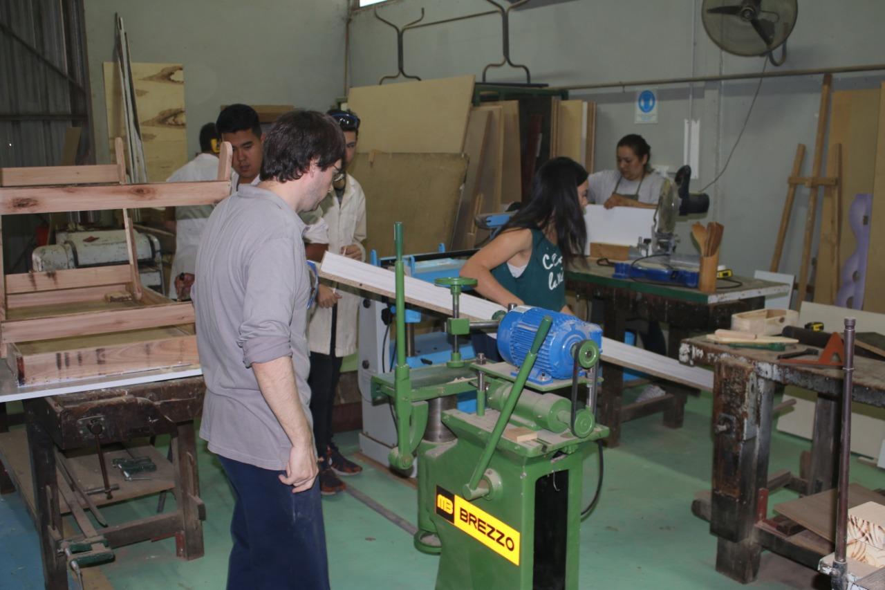 Politécnico de General Pico: Presentaron nueva maquinaria para el área de carpintería