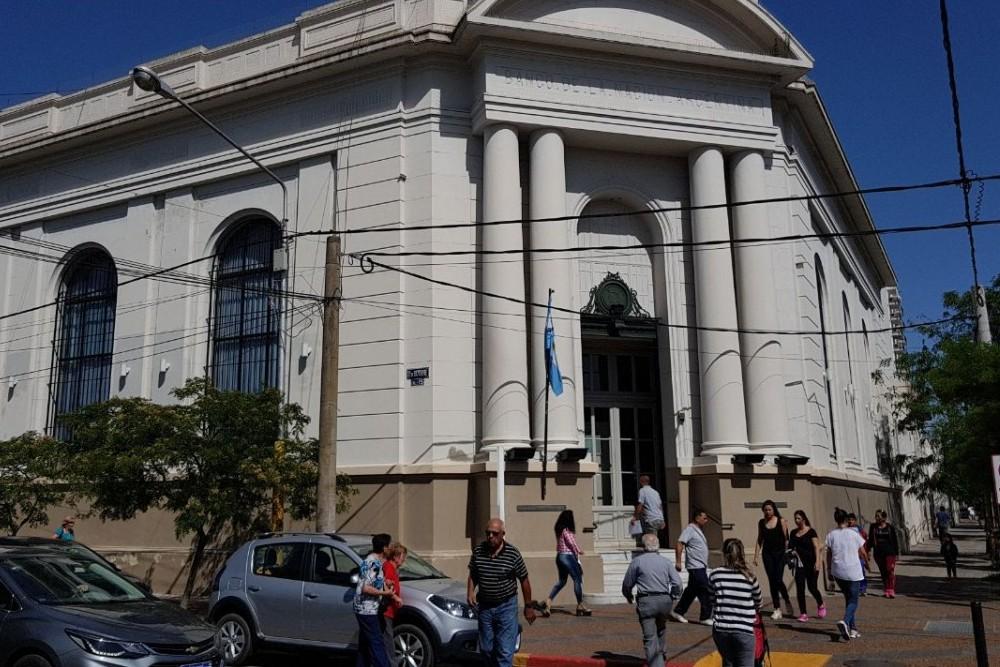 Banco Nación abrirá mañana de 8 a 13 horas para el pago de beneficios sociales y jubilaciones
