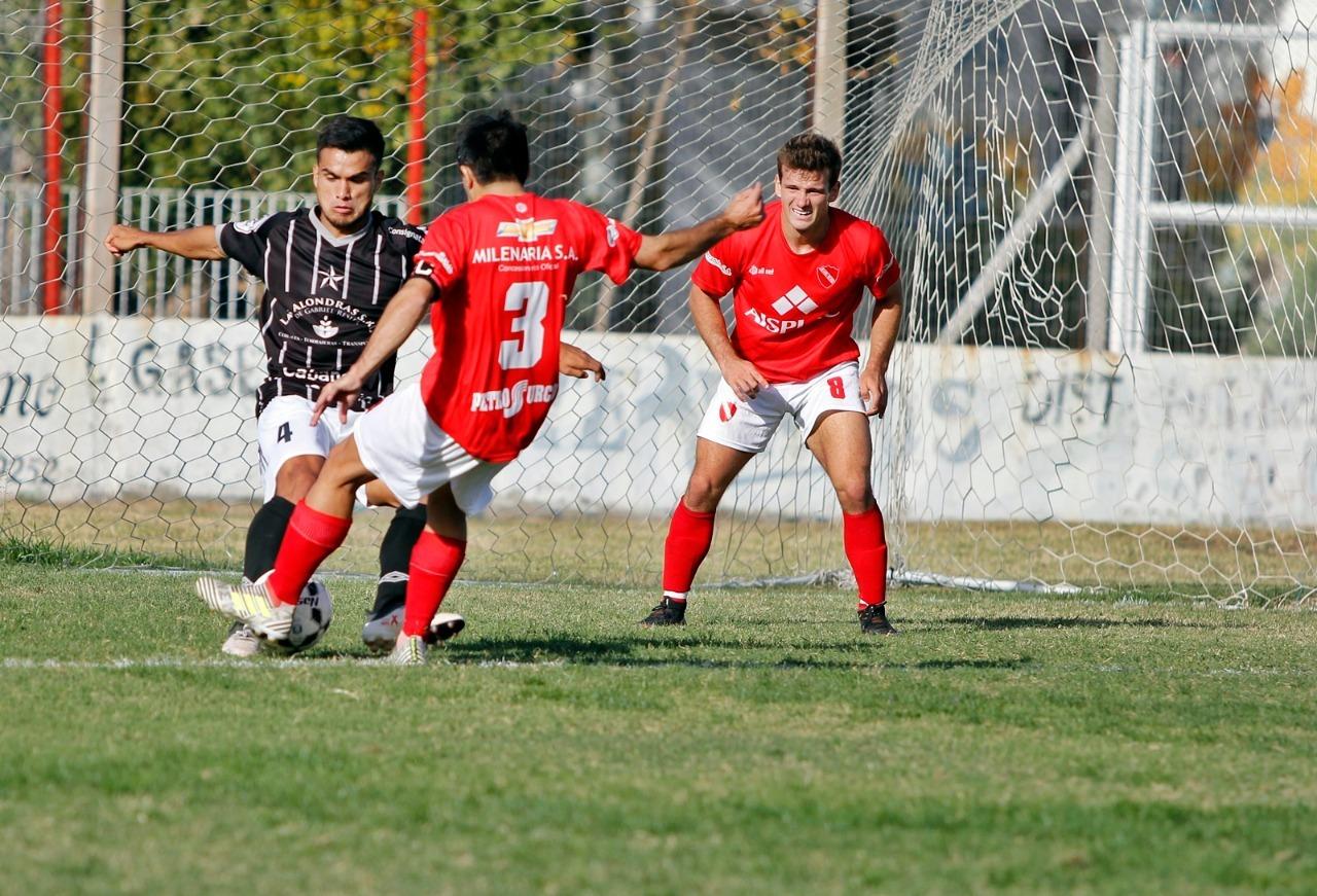 Torneo Provincial: Independiente busca la gloria frente a Rácing de Castex