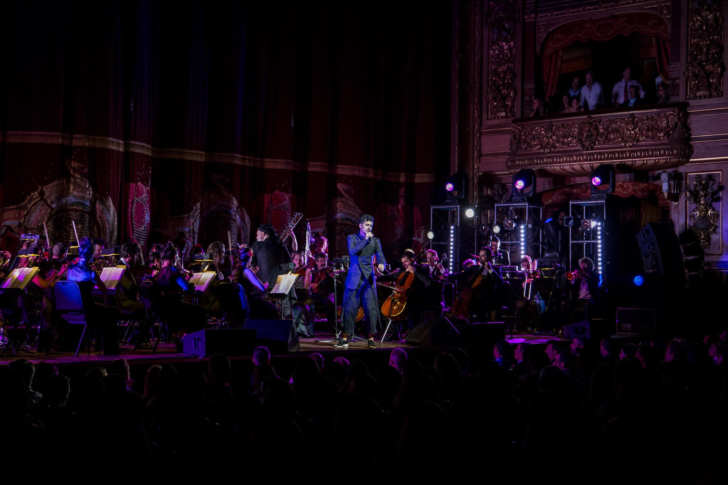 Nicolás Rainone fue uno de los artistas invitados al concierto homenaje a Gustavo Cerati en el Teatro Colón