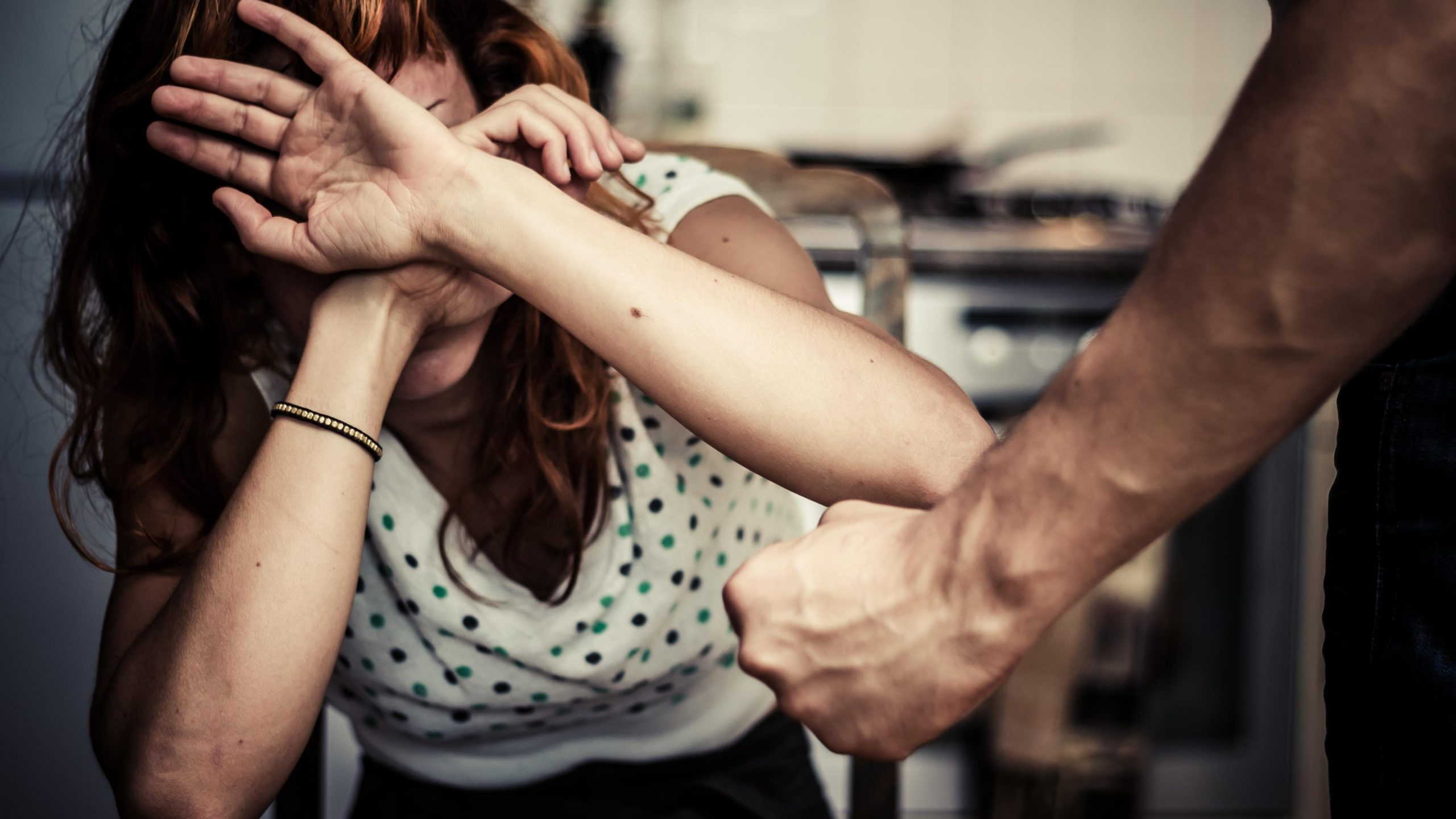 Se separaron, el le pegó, ella lo denunció y la justicia piquense lo condenó. Ahora volvieron a estar juntos nuevamente