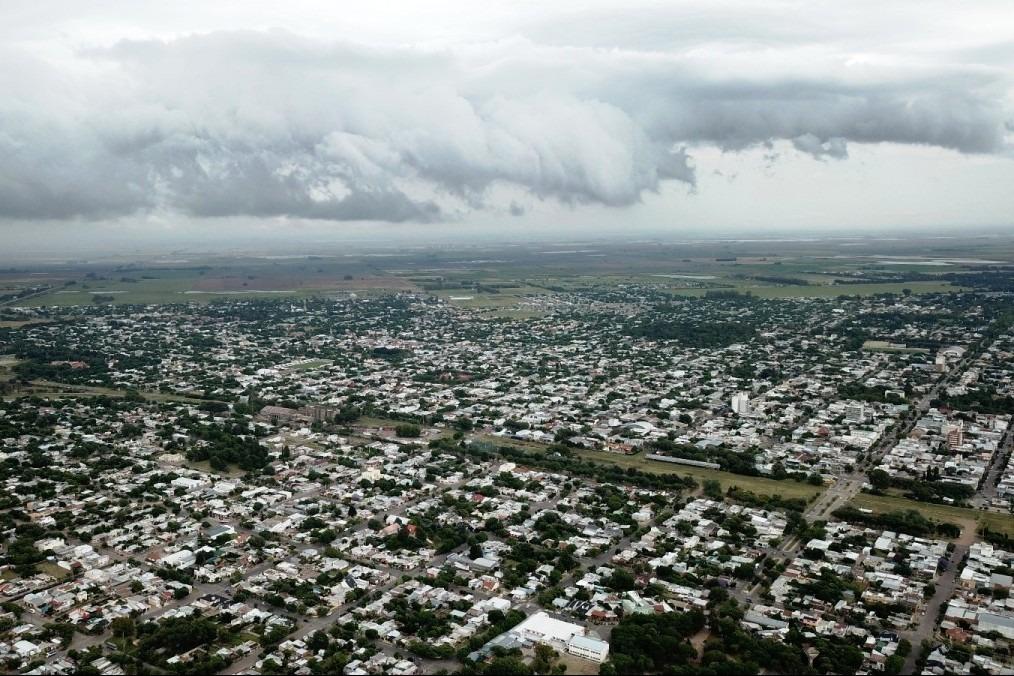 """Emitieron un alerta por """"tormentas"""" y otro por """"vientos fuertes"""" para La Pampa"""