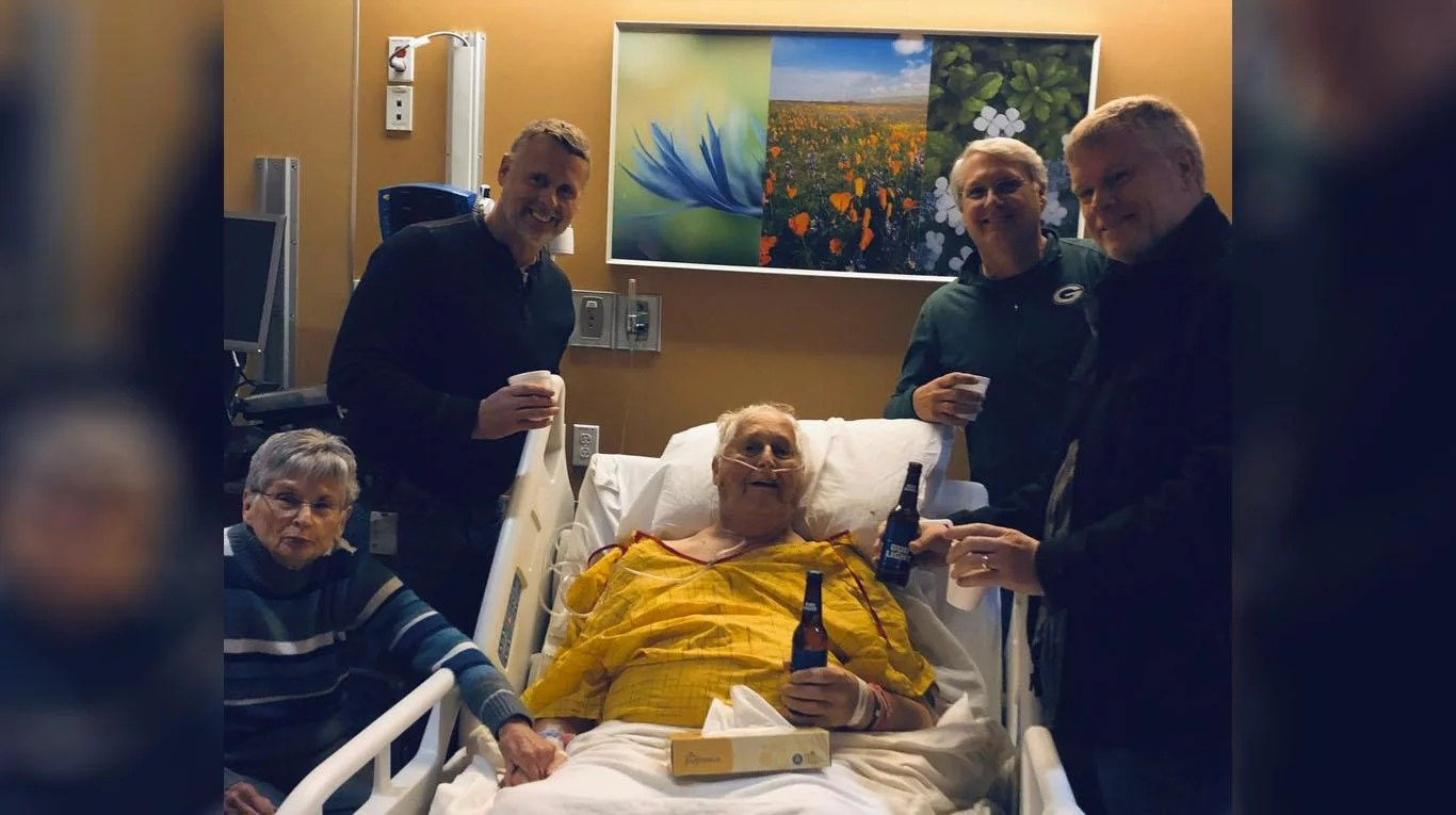 Le dijeron que iba a morir y pidió tomarse una cerveza con sus hijos en el hospital