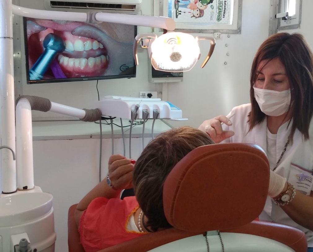 Día de lucha contra el cáncer bucal: Se realizaron exámenes estomatológicos gratuitos en General Pico y Santa Rosa