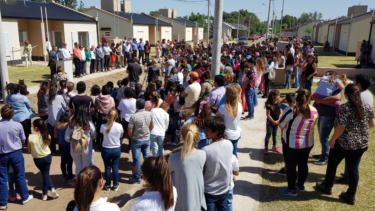 Entregaron 44 viviendas en Intendente Alvear