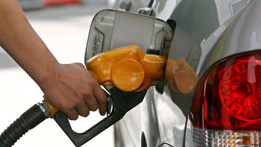 Atención: A partir de las 22:00 horas y hasta las 06:00 de mañana, no se expenderá combustible en las estaciones de servicio