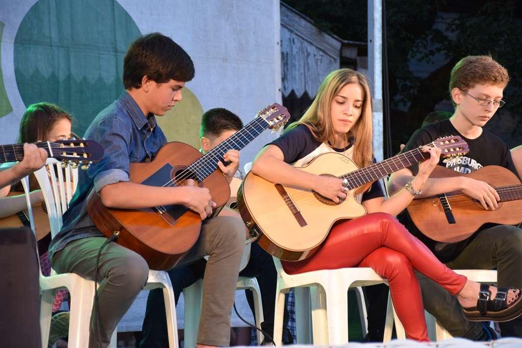La Dirección de Educación y Cultura realizó el cierre anual de talleres