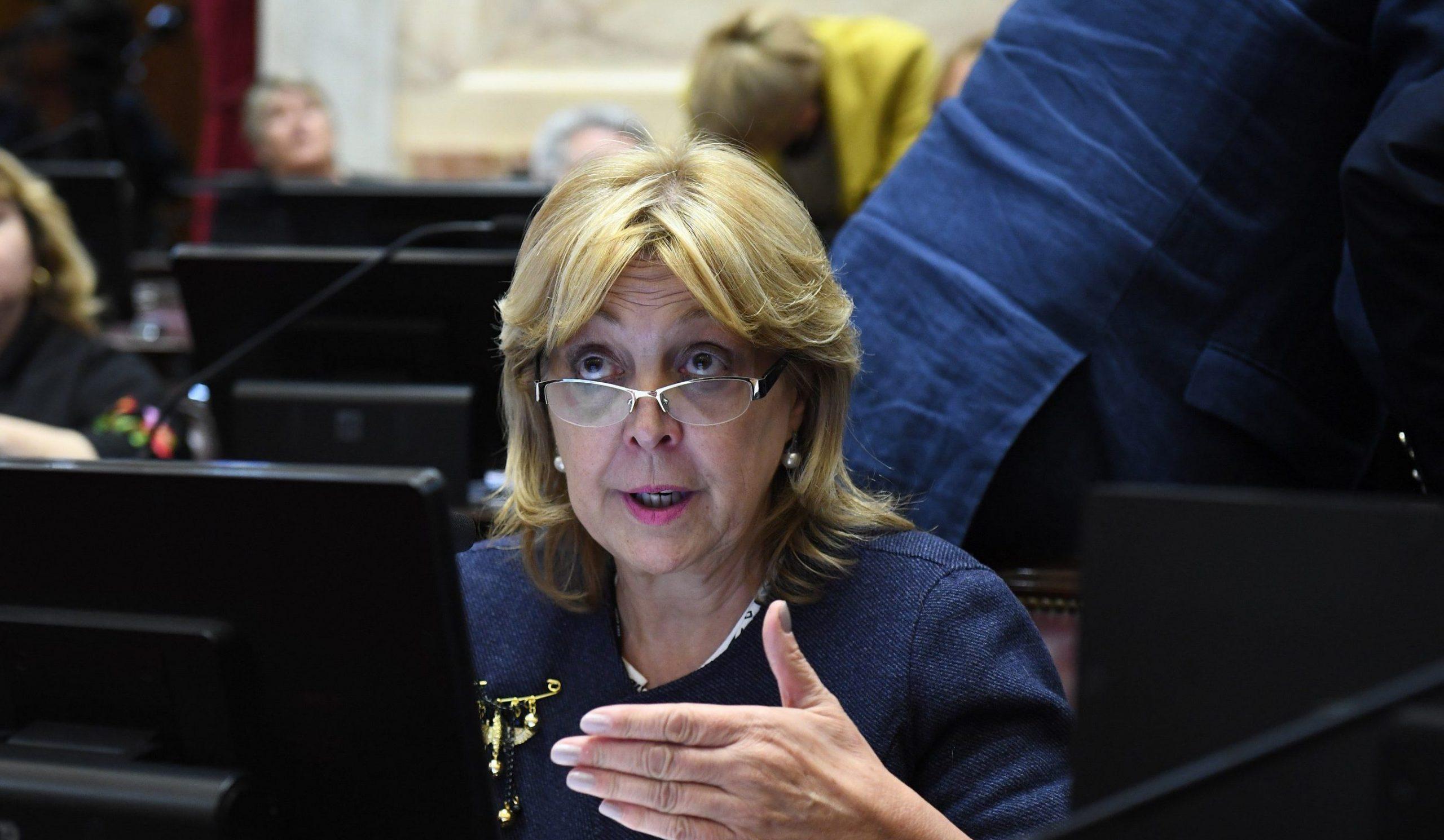 """Senadora pampeana propone que las personas que debieron seguir trabajando en la cuarentena queden """"eximidos del pago del impuesto a las ganancias"""""""