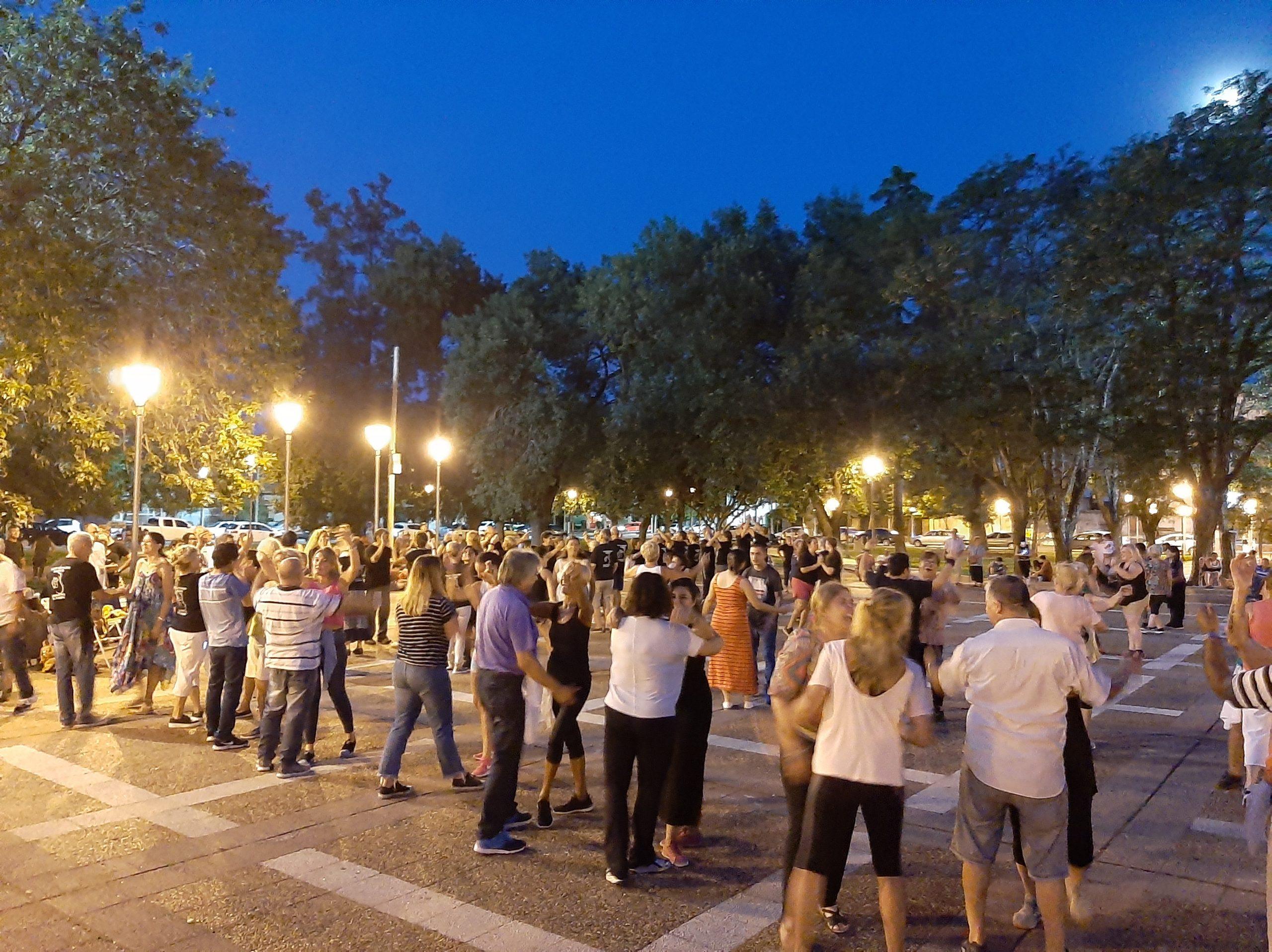 Folkloreando: la cita es hoy en plaza San Martín a las 20:30