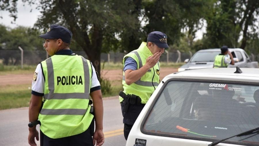 Fue a Buenos Aires a buscar repuestos y se trajo a una adolescente de 14 años escondida entre las cajas