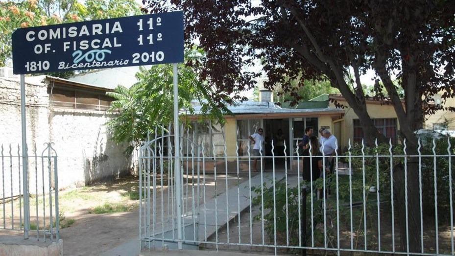 Cuatro jóvenes violaron en manada a una chica en Mendoza durante una fiesta