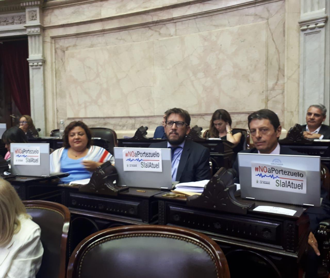 Diputados nacionales pampeanos mostraron en el Congreso su enojo por portezuelo tras el envío de fondos a Mendoza
