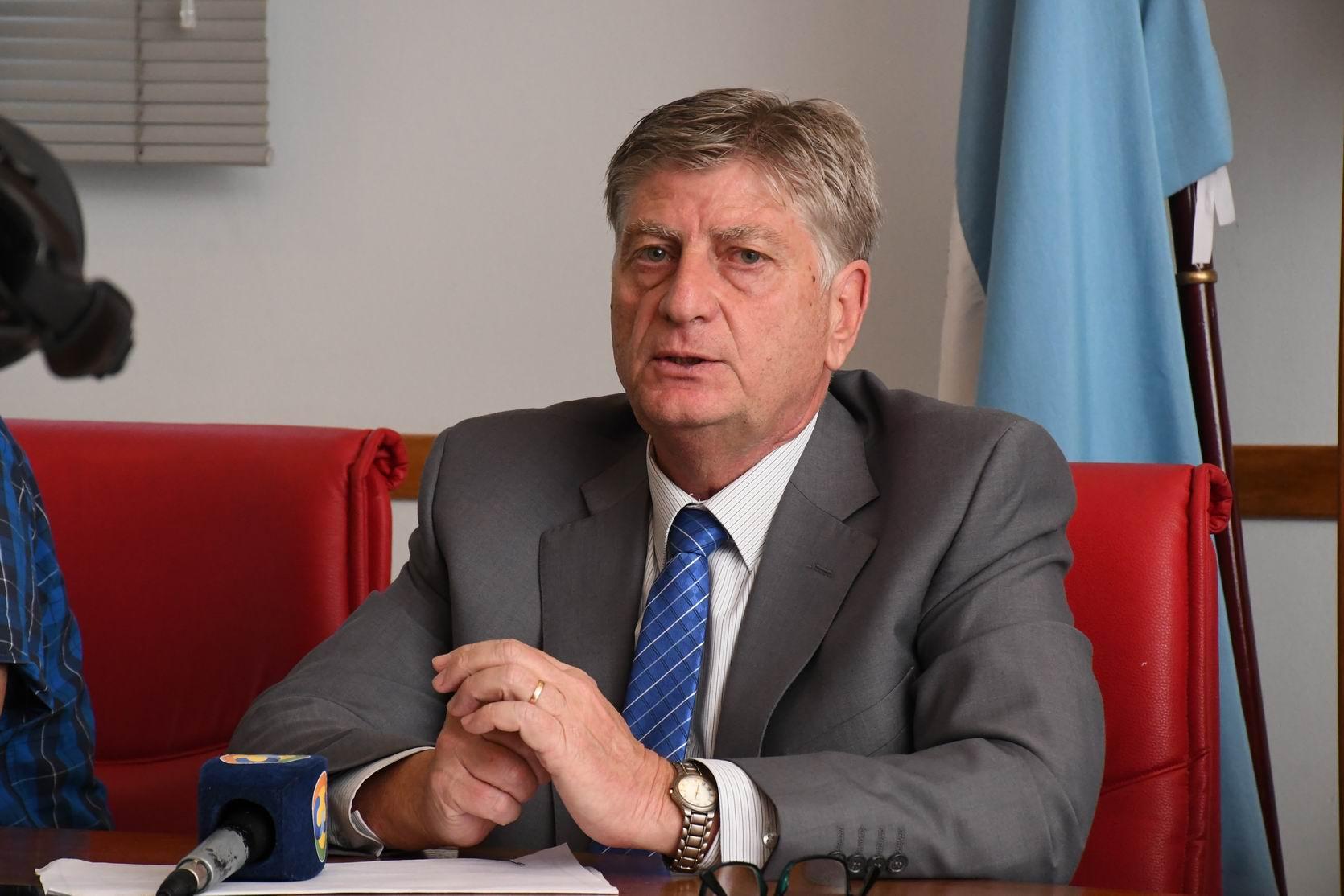 El Gobernador anunció que mañana habrá asueto para los empleados de la Administración Pública Provincial