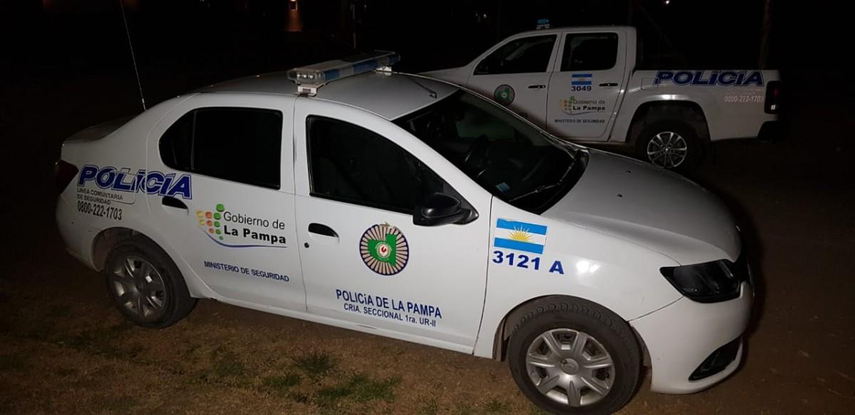 General Pico: Notifican a 46 personas en dos fiestas ilegales y se secuestraron vehículos durante la madrugada