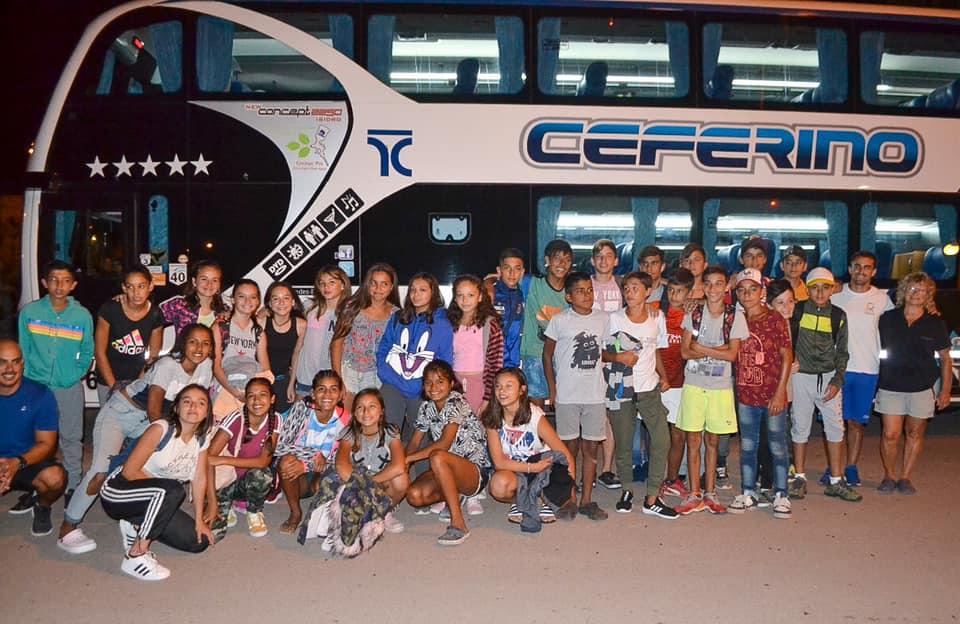 Niños de Realicó viajaron a Pehuén Co, algunos de ellos conocerán el mar por primera vez