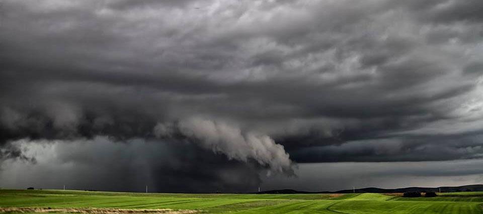 """ATENCIÓN: Aviso a corto plazo por """"tormentas fuertes con ráfagas y ocasional caída de granizo"""" para tres localidades de La Pampa"""
