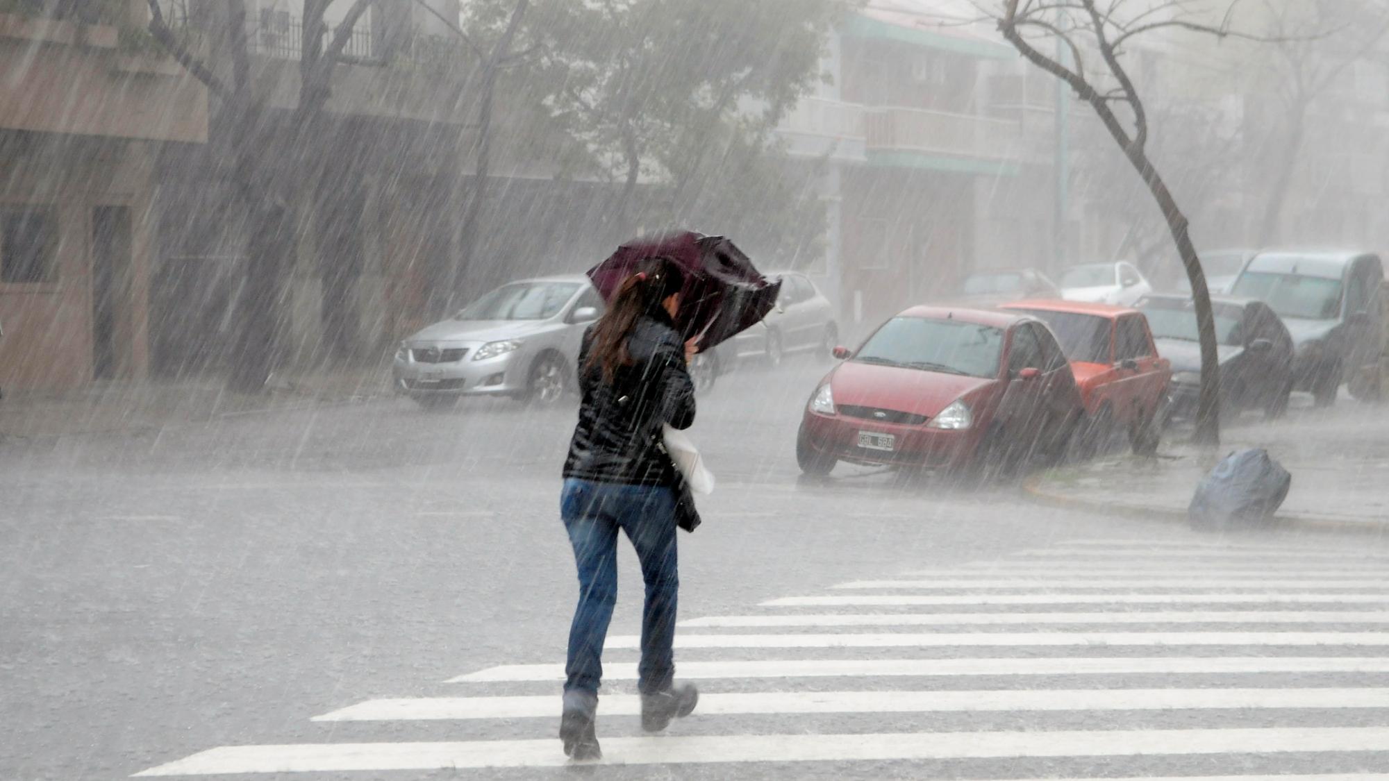 """Nuevo alerta meteorológico por """"tormentas intensas"""" para el noreste de La Pampa"""