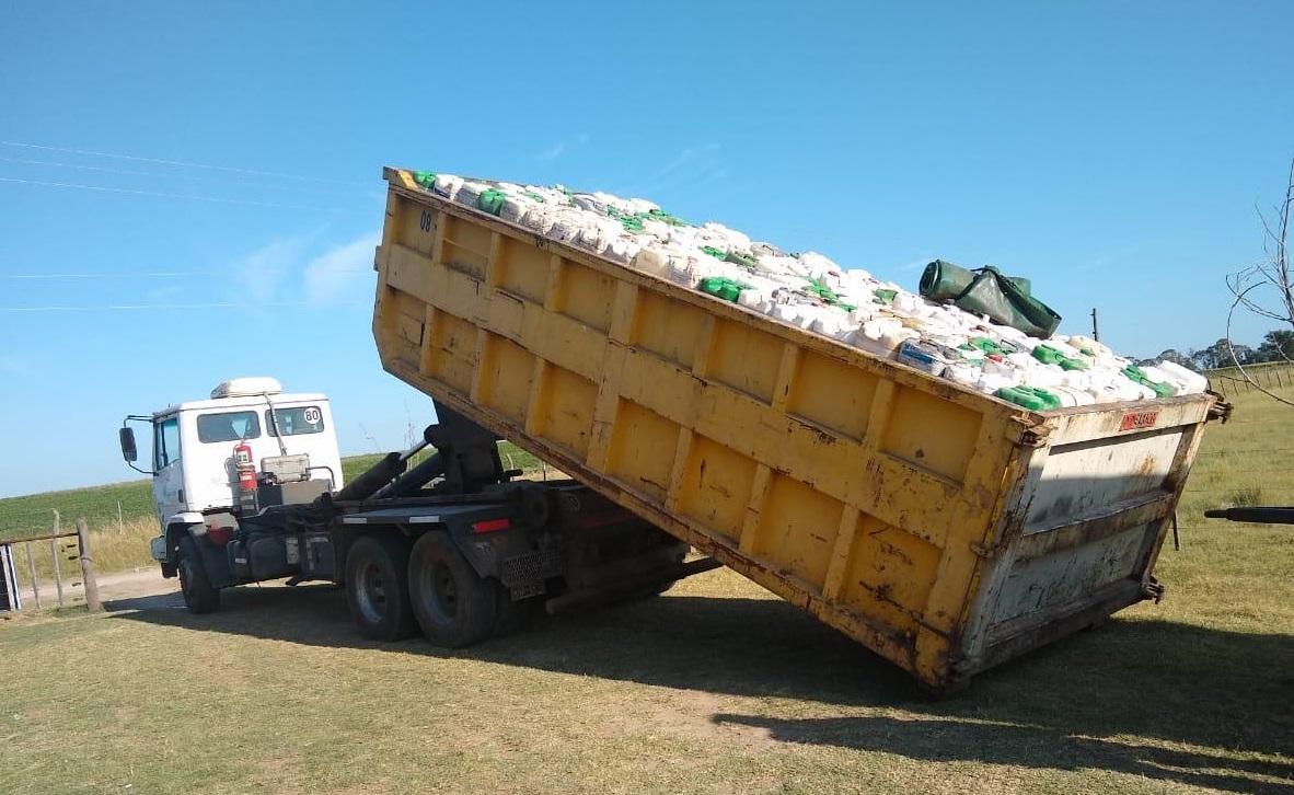 """El Gobierno de La Pampa obligó a """"Campo Limpio"""" a comenzar con la recolección de bidones vacíos de agroquímicos"""